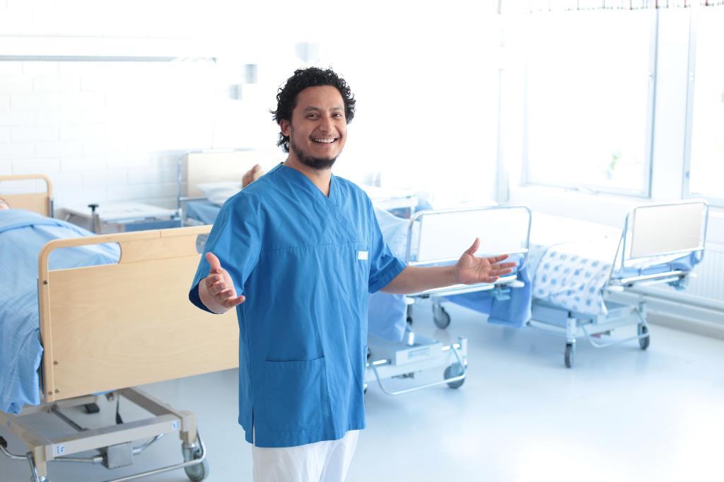 Bishow Kunwar tyäasussaan sairaalassa