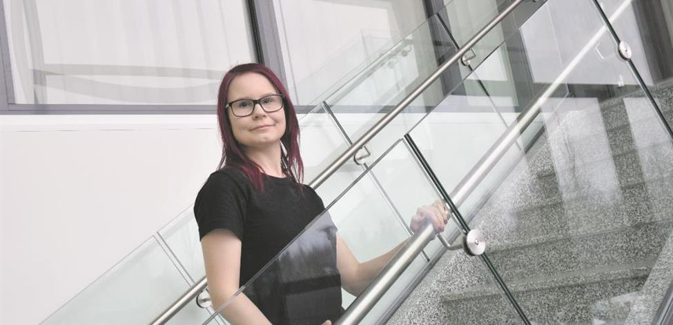 Lisa McWhirter mediakeskus Limen portaissa